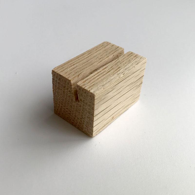 Деревянная подставка под ценник 30x20x20 мм